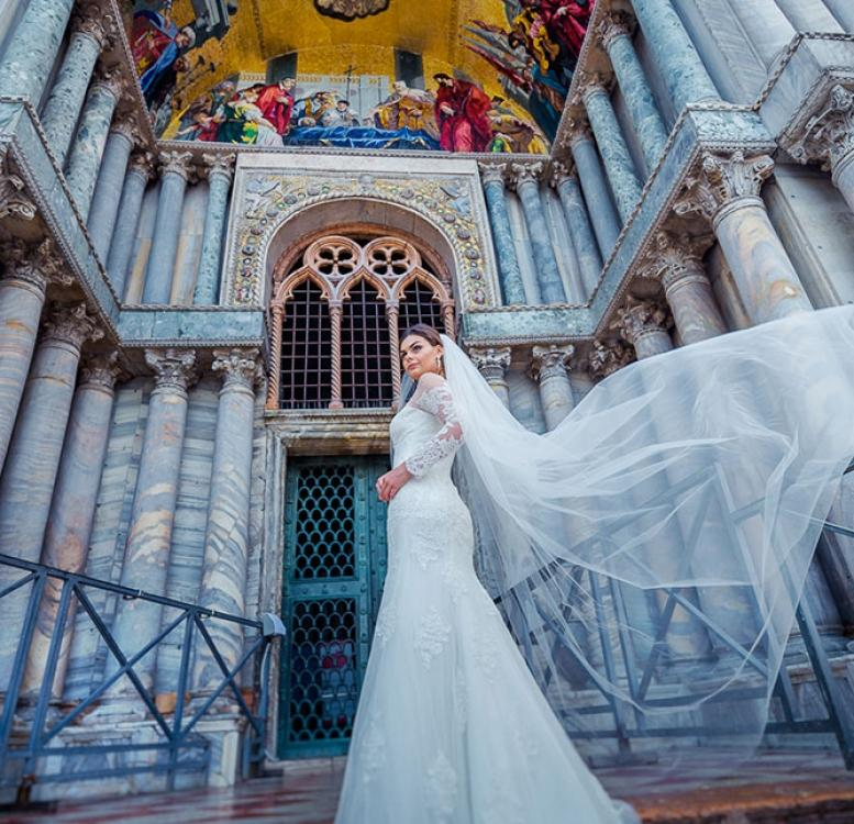 Bride in front of St Mark's Basilica
